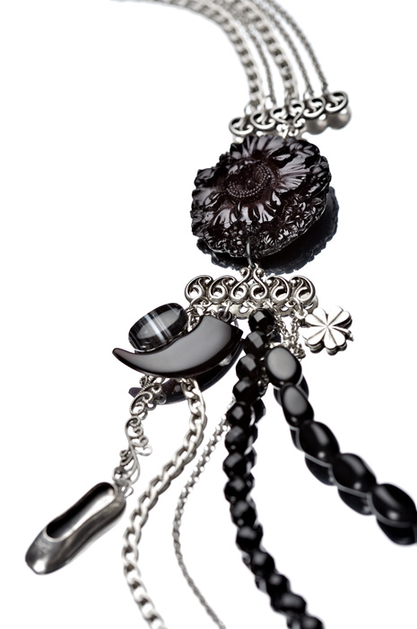 Nathalie Breda Paris Jewelry - Necklace Chou details