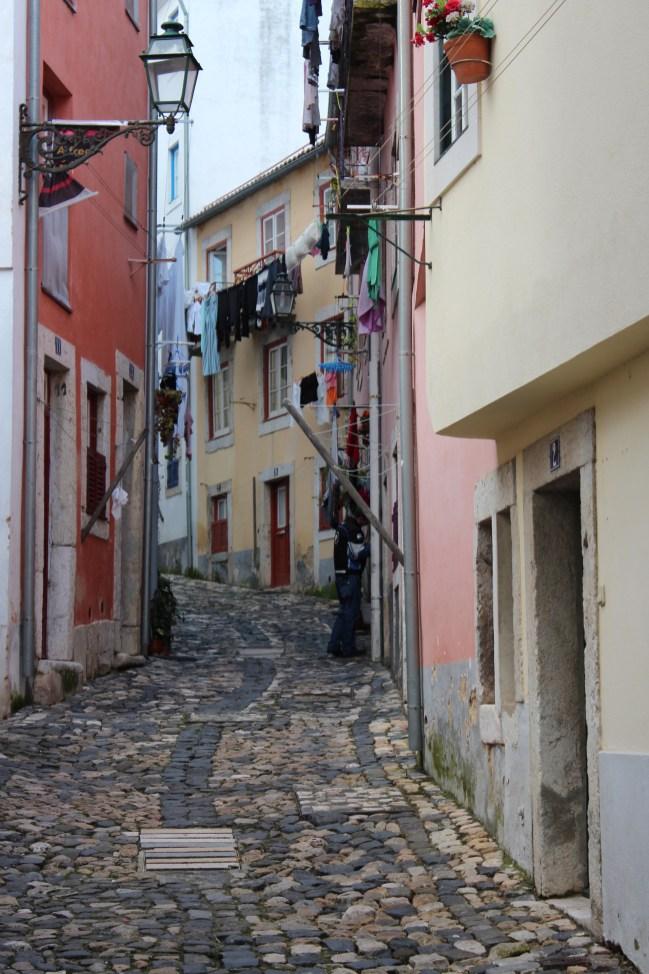 Les petites ruelles pavées de Lisbonne