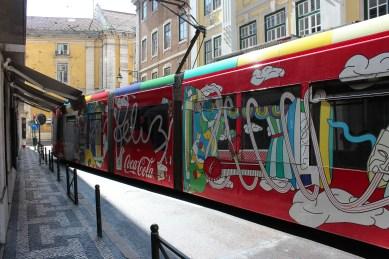 Tramway moderne et sponsorisé