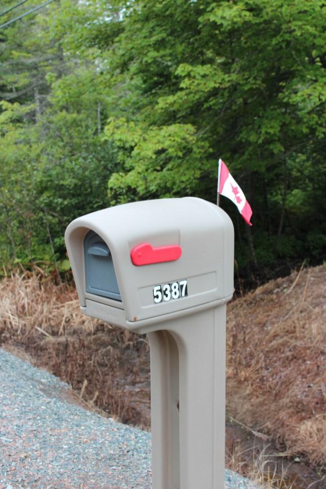 toujours un drapeau canadien quelque part