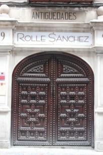 Les portes également...