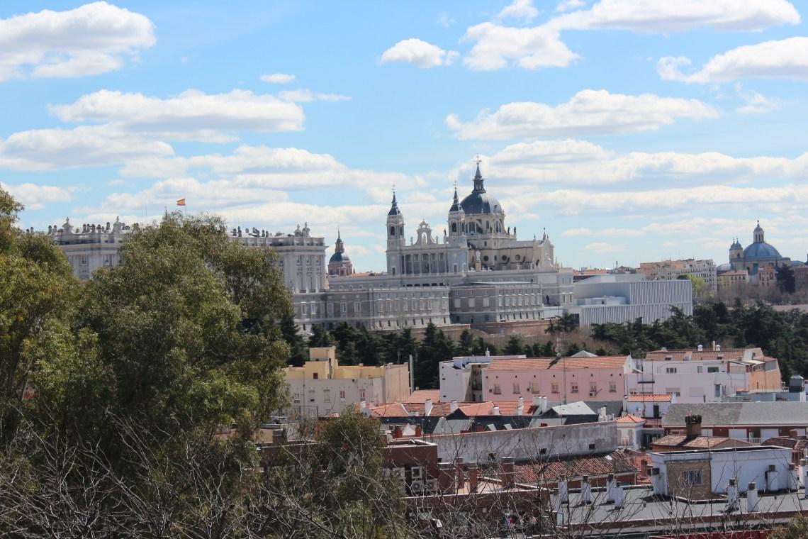 Au sommet du Parc de l'Este, vue sur le Palacio Real