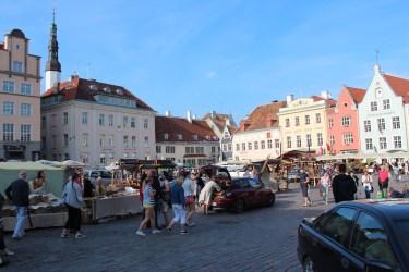 Place de l'hôtel de ville (Raekoja Plats)
