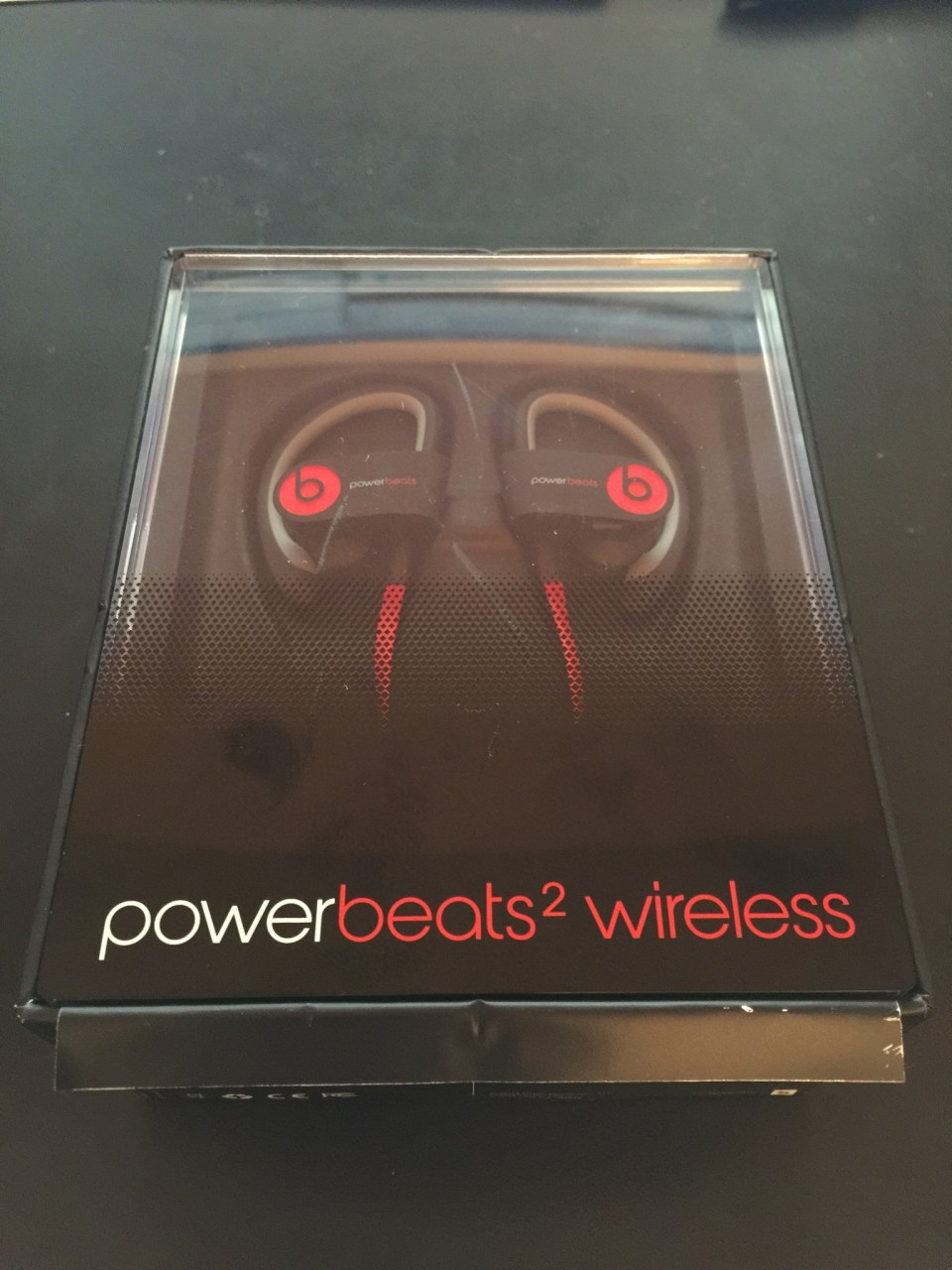 Powerbeats 2 Wireless in packaging