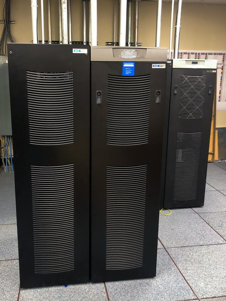 Eaton 9355 parallel UPS solution