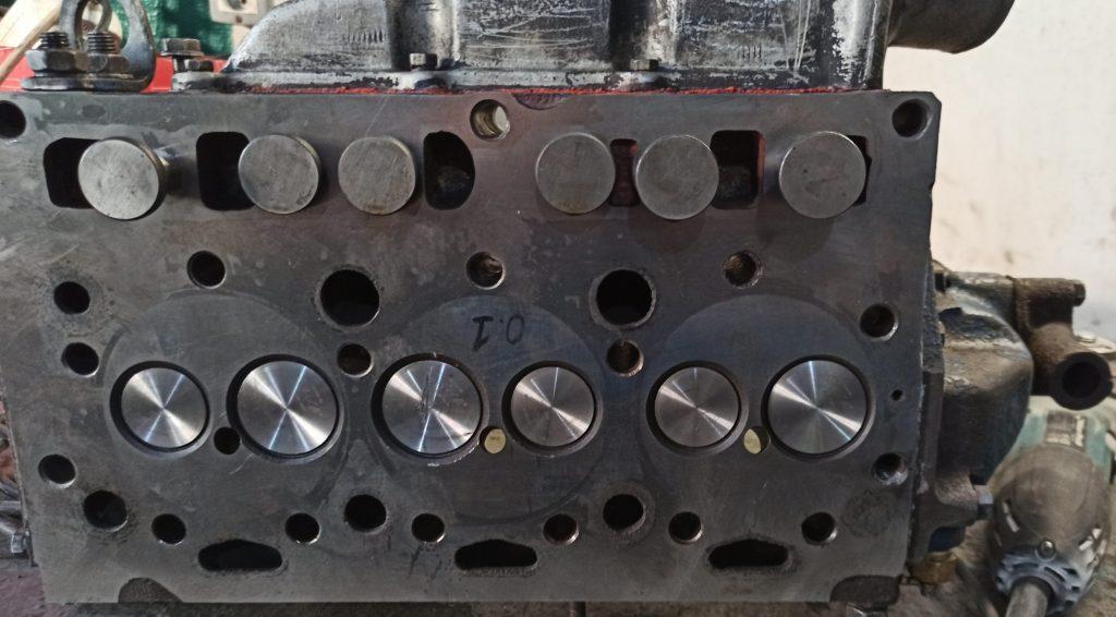 головка двигателя д2500