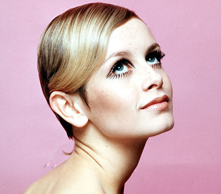 twiggy-pixie-cut-hair-style-450rb041408