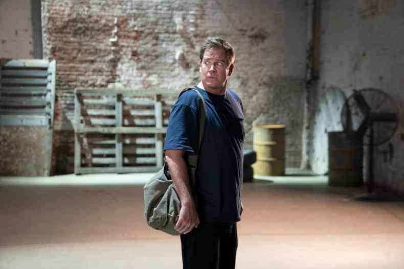 """BULL Season 6 Episode 1 """"Gone"""" – Bull and the TAC team must call upon all their collective experience to locate Bull's kidnapped daughter, and the abductor warns them not to go to the police. As Bull works to build the most important psych profile of his life, he begins to suspect the captor is someone connected to his past, on the sixth season premiere of BULL, on its new night, Thursday, Oct. 7 (10:00-11:00 PM, ET/PT) on the CBS Television Network, and available to stream live and on demand on Paramount+. Pictured: Michael Weatherly as Dr. Jason Bull. Photo: Patrick Harbron/CBS ©2021 CBS Broadcasting, Inc. All Rights Reserved"""