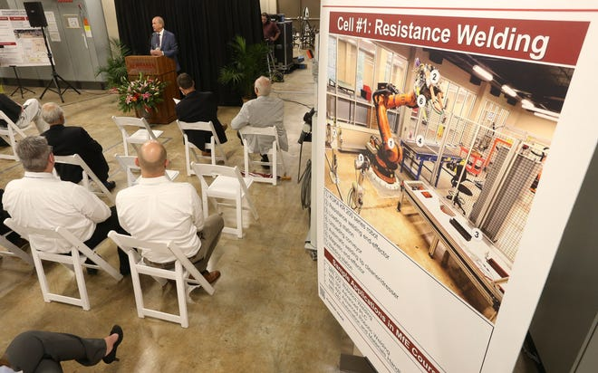 The University of Alabama introduced a new bachelor's degree program in manufacturing systems Thursday, Sept. 30, 2021. University of Alabama President Stuart Bell helps introduce the new degree program. [Staff Photo/Gary Cosby Jr.]