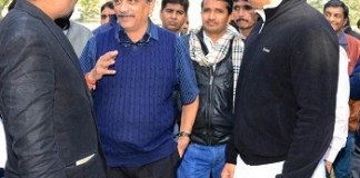 Goa cm manohar parrikar rajyavardhan rathore and national dunia editor Ramgopal jat (in center)