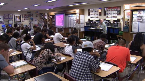 california classrooms are crowded