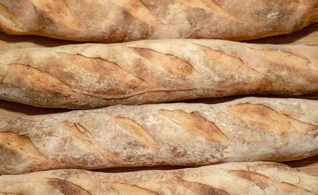 free trade doesn't work, the baguette shop, an allegory
