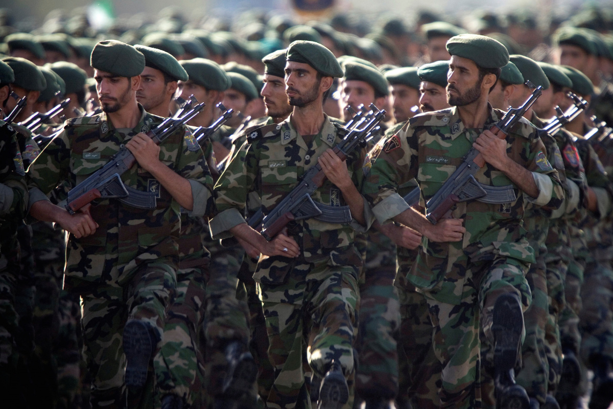 Members of Iran's Revolutionary Guards march during a military parade in Tehran, September 22, 2007. Reuters/Morteza Nikoubazl/File Photo