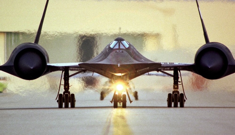 Twenty Years Later, the SR-71 Blackbird Is Still the World ...