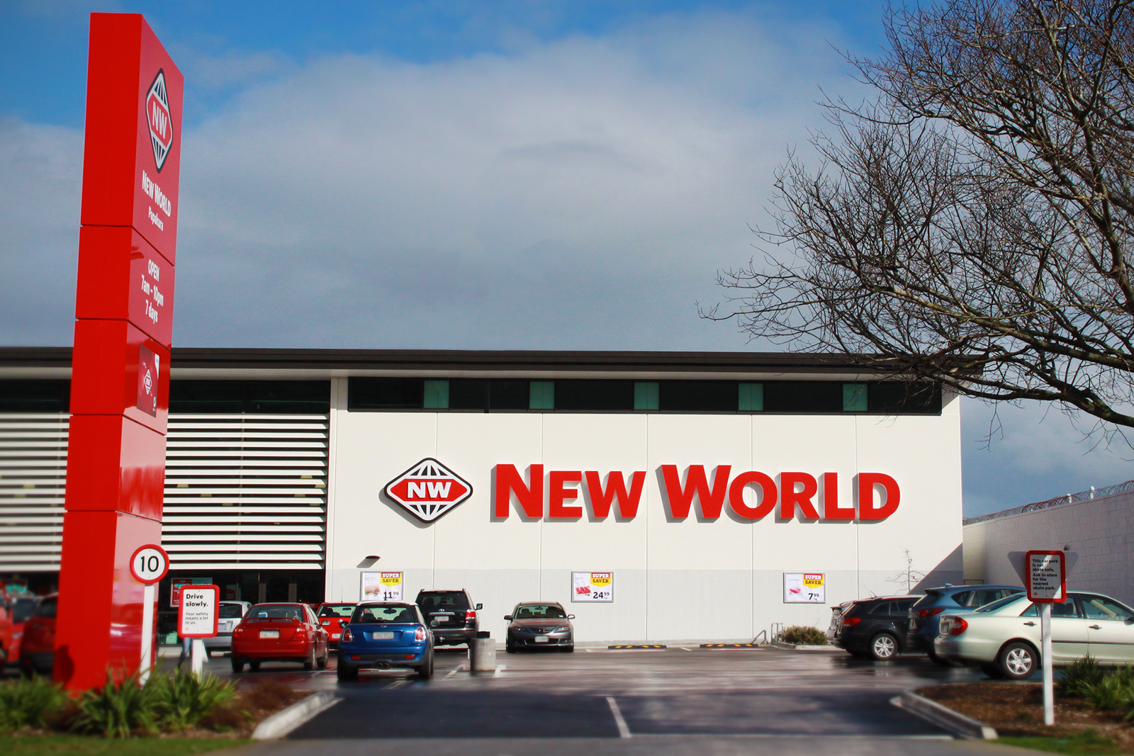 new world papakura 3d illuminated letters roadside pylon signage