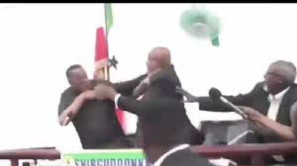 Show of shame: Somali president, deputy exchange blows publicly