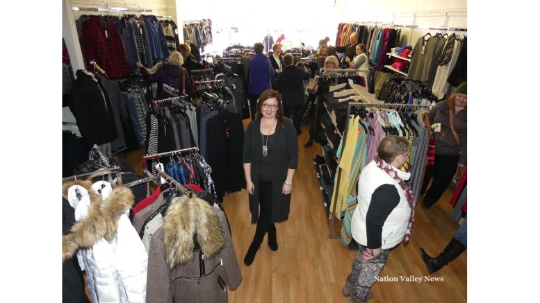 Big crowds for Winchester Shop Crawl | Nation Valley News