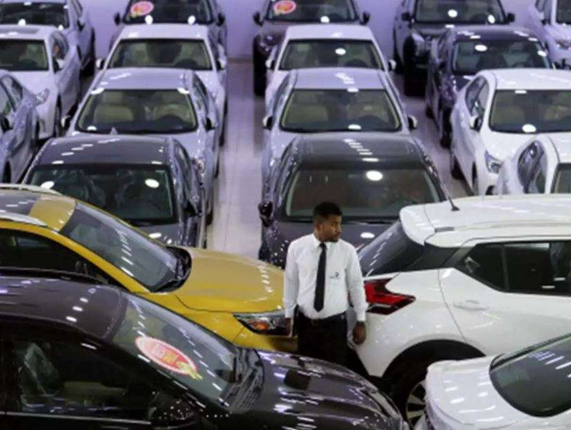 Such a boom in sales of auto companies, employees are getting increments with full pay!