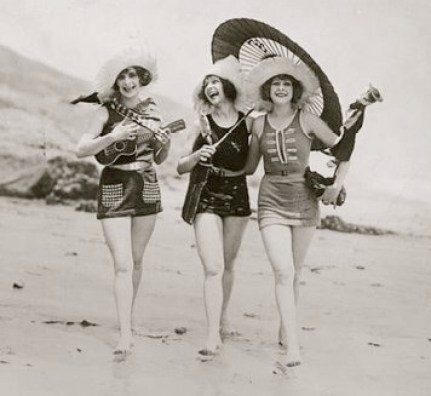 girls with ukes