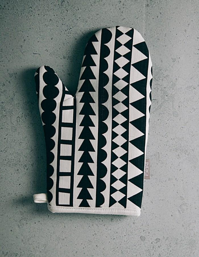 tribal-oven-glove