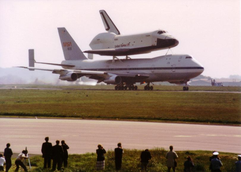 B747 & Shuttle Enterprise Combo touchdown 05-Jun-1983