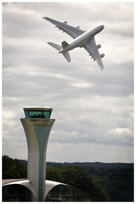 A380-and-tower-686x1024