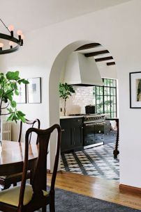 Airy archways to the kitchen