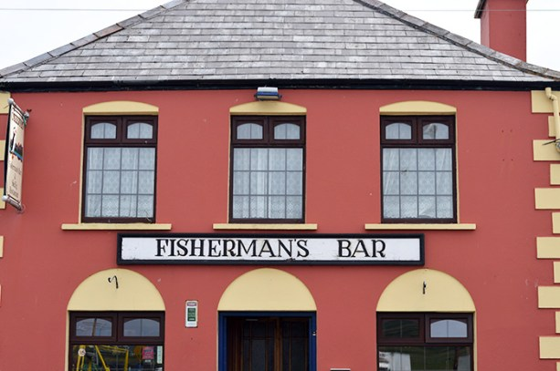 Fisherman's Bar, Portmagee // Nattie on the Road