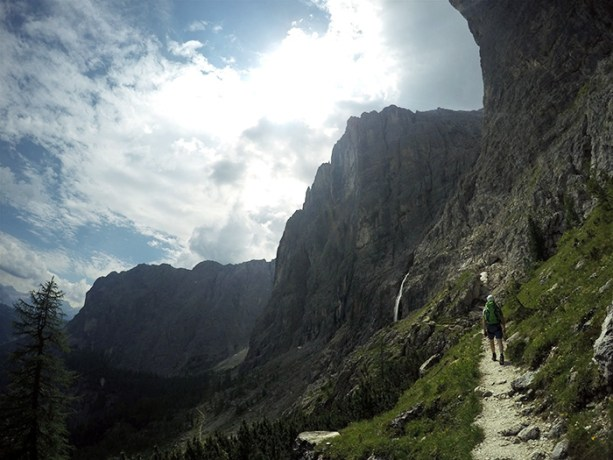 Via Ferratas are the best mix of hiking and climbing, try it out in the Dolomites // Nattie on the Road