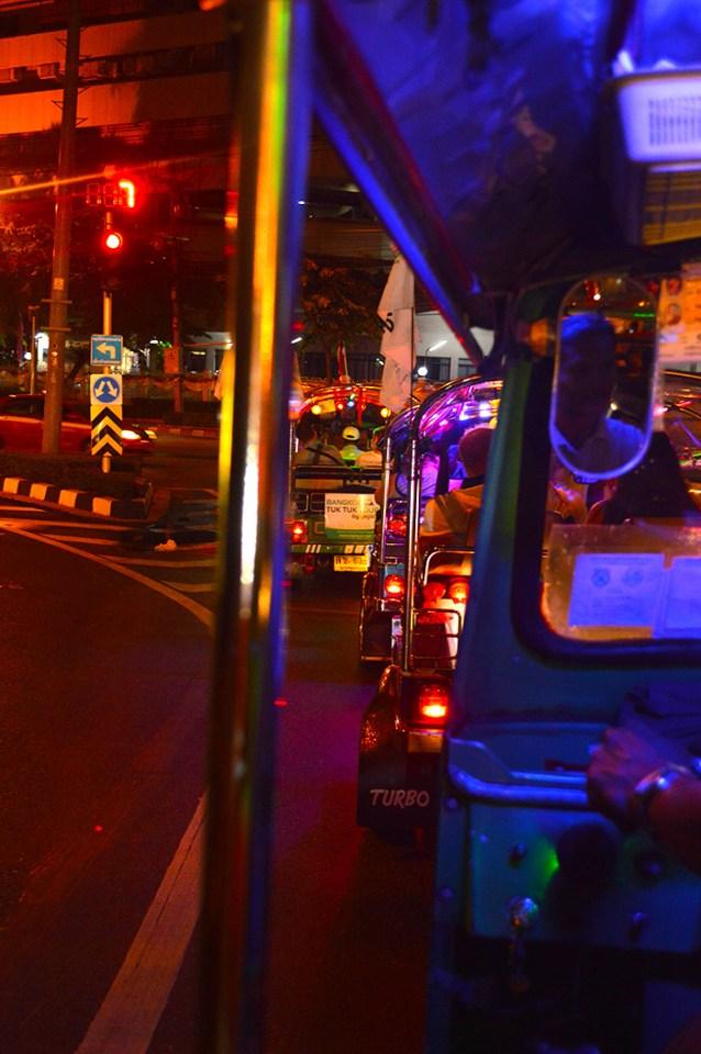 seeing Bangkok by tuk tuk // Nattie on the Road