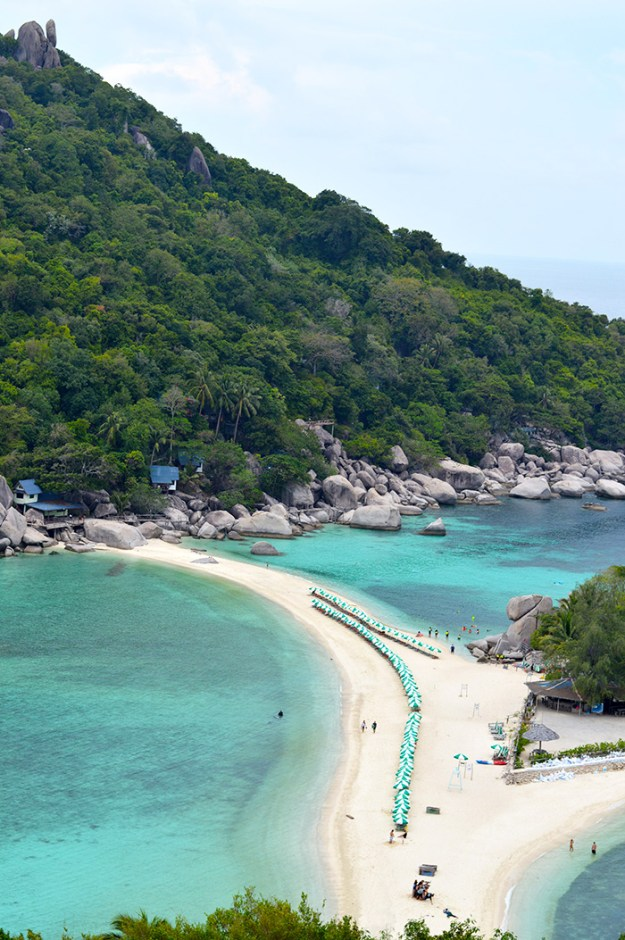 Koh Nang Yuan's white sand beaches