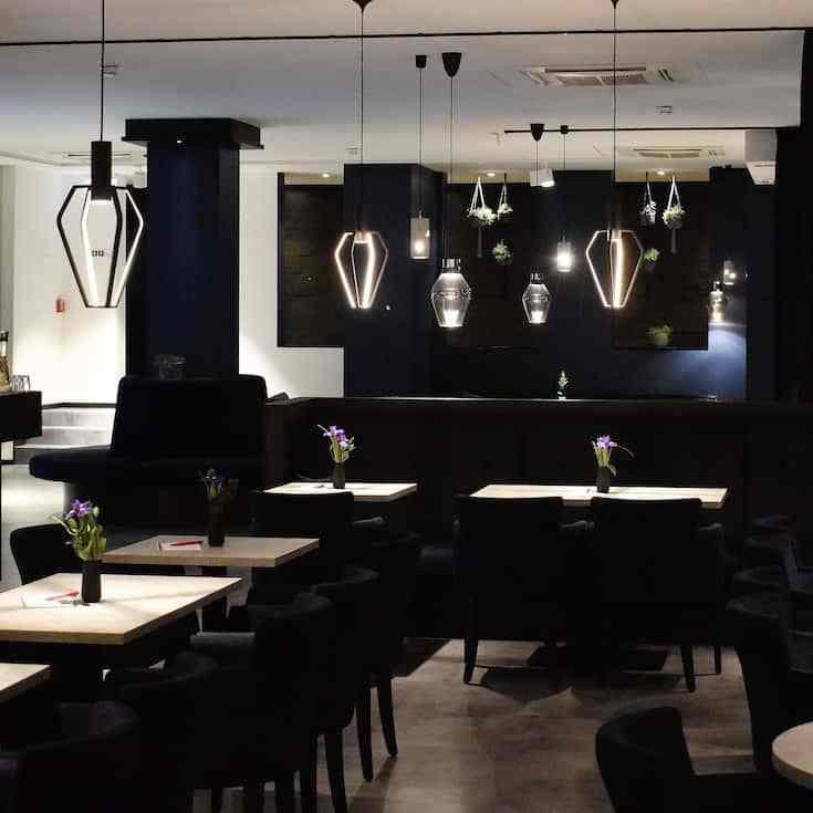 black decor restaurant