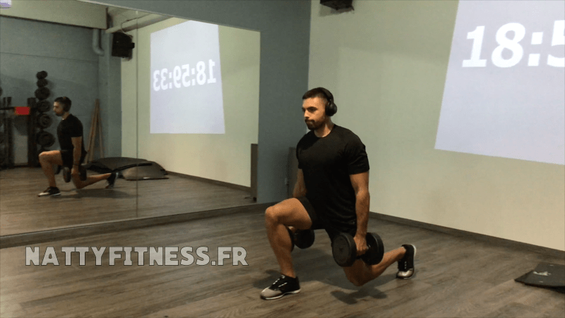 full-body-exercice-fentes-haltères