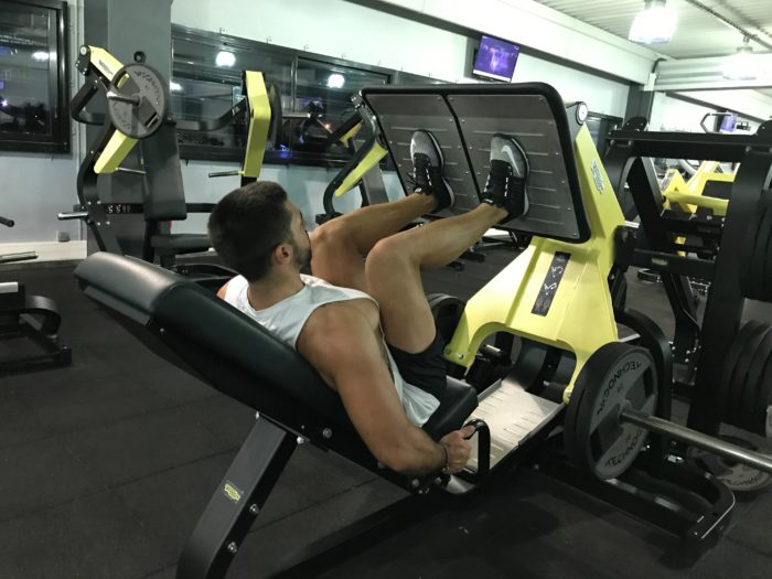 exercice-musculation-presse-à-cuisse