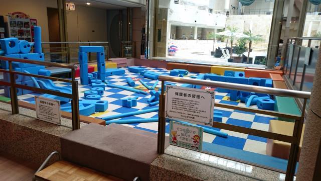 幼児の遊び場
