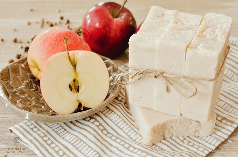 How to make hot process apple cider soap - a sweetly scented spiced soap recipe perfect for the crock pot