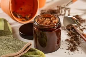 Gardener's Foaming Hand Scrub in an amber jar