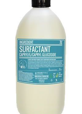 Caprylyl / Caprylyl glucoside is a easily used surfactant that blends easily with other surfactants to create foaming cosmetics