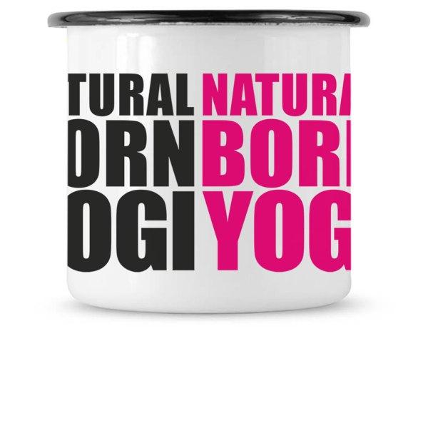 Weiße Emailletasse mit Aufdruck Natural Born Yogi