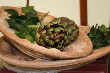 Best foods for the liver: Image of artichokes in a dish.