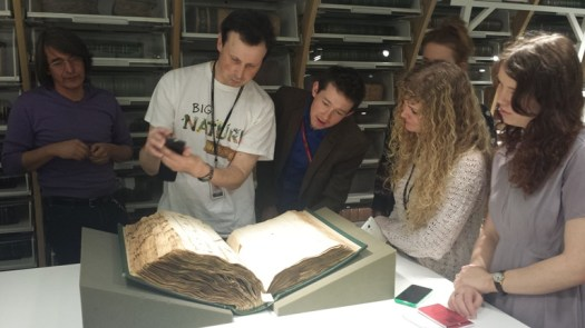 ID Trainees and colleagues from the AMC discovering the Hans Sloane Herbarium