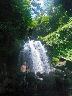 costa-rica-waterfall