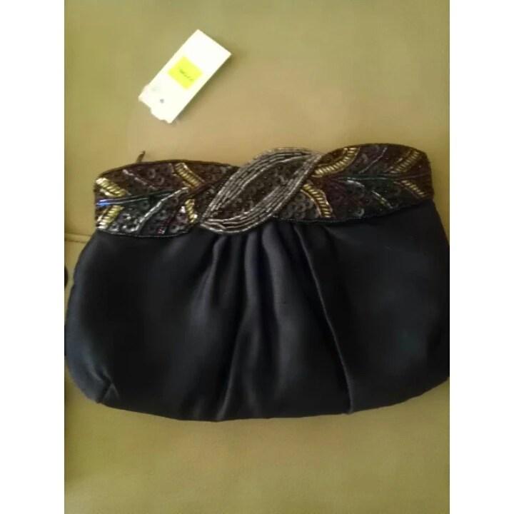 Handbag, White, Gold Studded, Goodwill, Fashion, Fashionista, Thrift, Thrifty Thursday, naturally stellar, goodwill gorgeous
