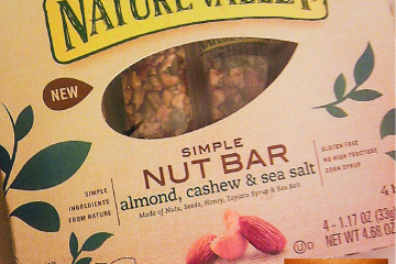 Nature Valley Simple Nut Bars | Almonds, Cashew & Sea Salt | Naturally Stelar