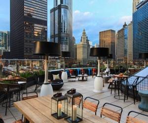Getaway To Downtown Chicago - Renaissance Chicago | Naturally Stellar
