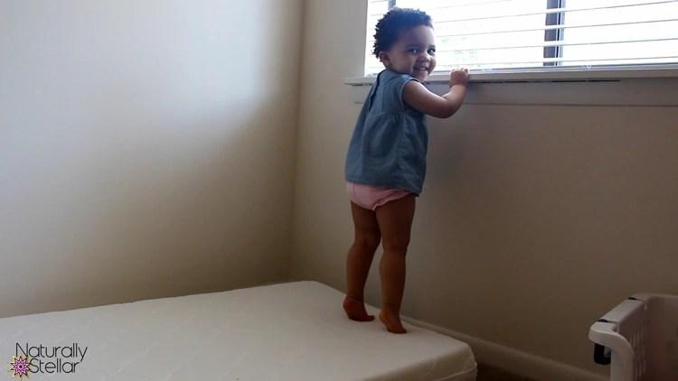Rock Star Moms Review | Newton Wovenaire Crib Mattress | Naturally Stellar