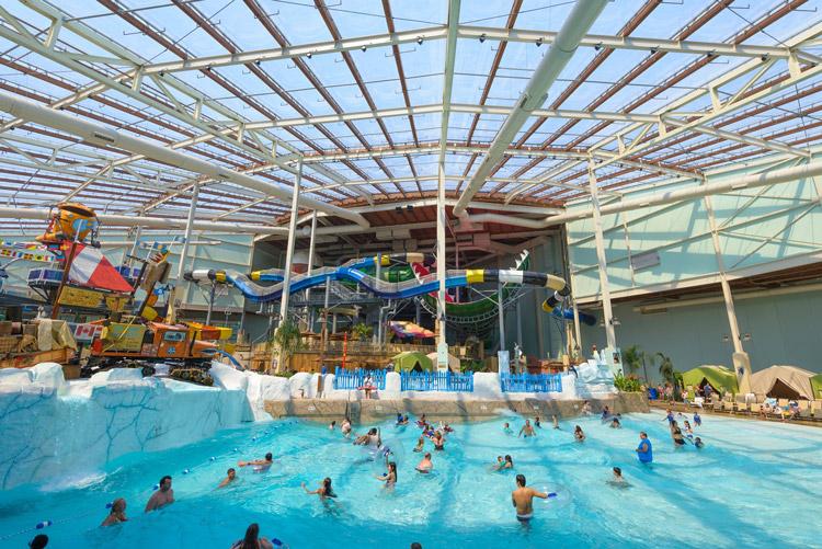 Indoor Water Parks | Naturally StIndoor Water Parks Worth A Road Trip | Naturally Stellarellar
