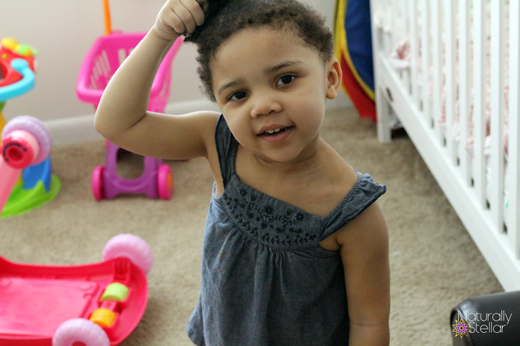 What Are The Signs? When To Move Your Toddler From Her Crib To A Bed | Naturally Stellar