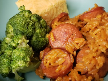 Jambalaya with cheese, broccoli and corn bread | Naturally Stellar
