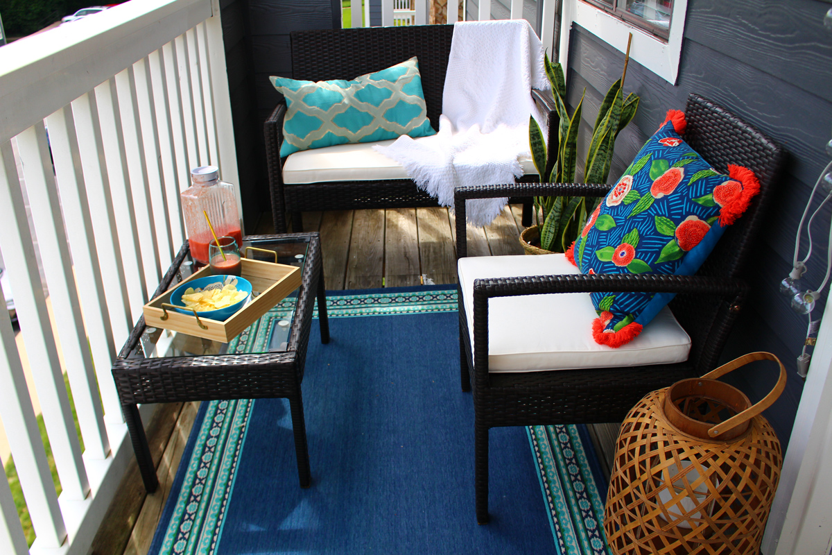Naturally Stellar apartment balcony makeover reveal